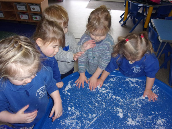 Gallery Image from Barbies Footsteps - BLUE CLASS Winter activities